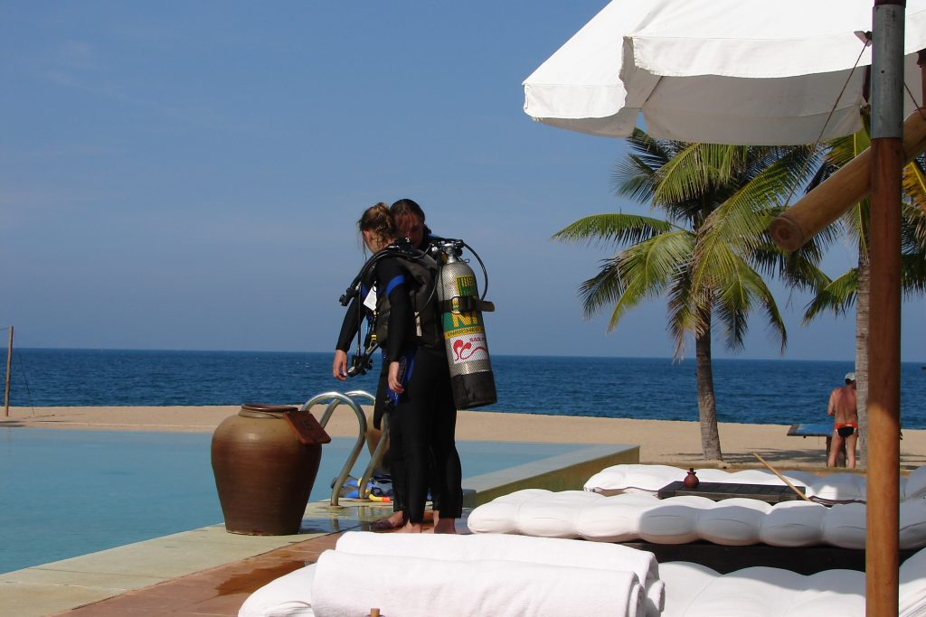 Learning to scuba dive at Six Senses Evason Ana Mandara