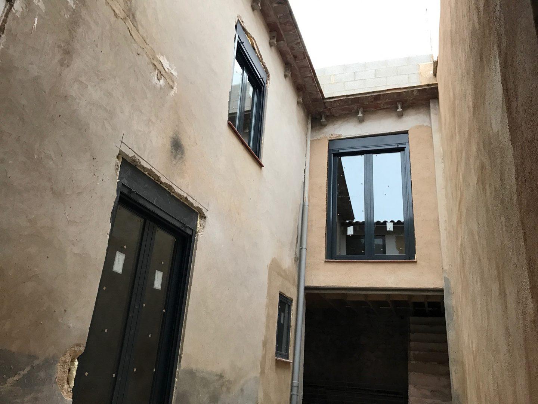 Courtyard External Walls Project Pego Month 4 Progress